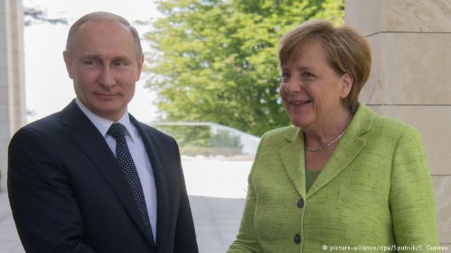 Putin Merkel Sochi May 2 2017